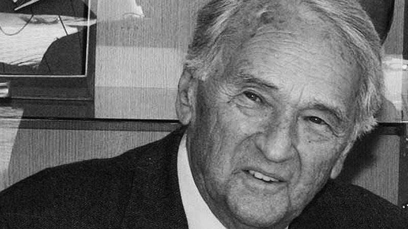 Elhunyt Szepesi György.